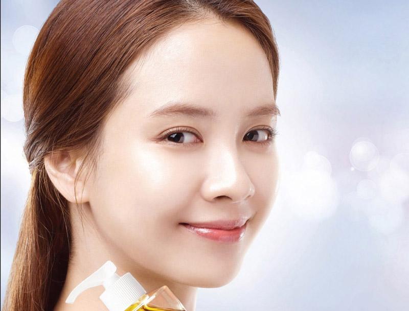 化粧品モデルのソン・ジヒョ