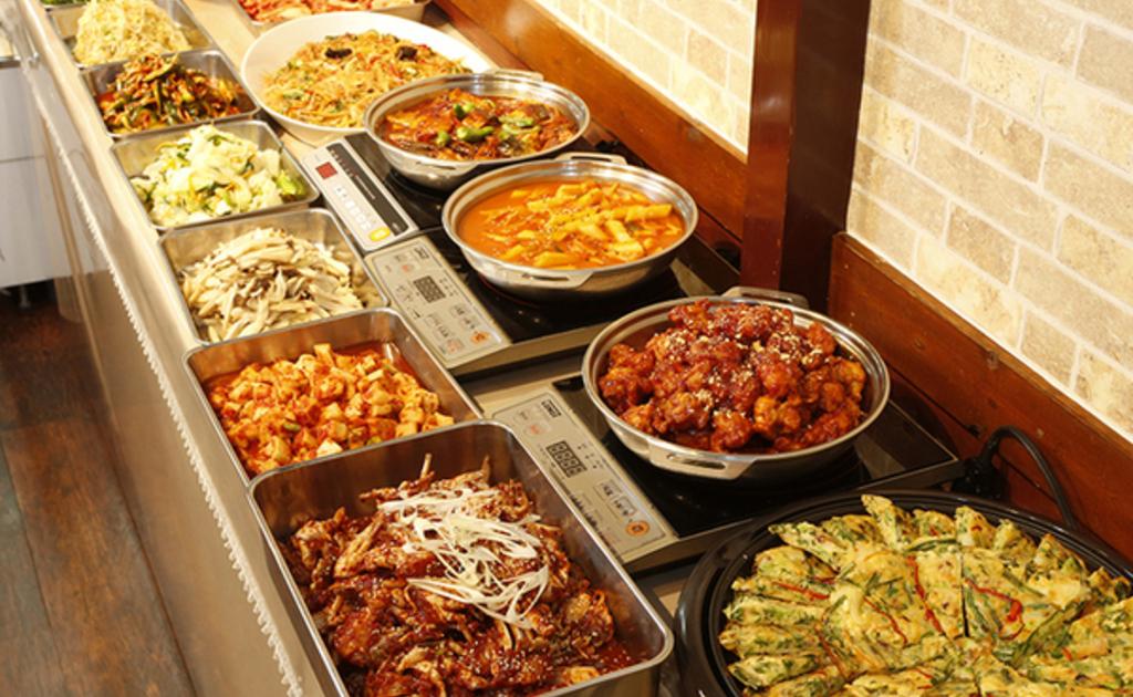 東京都 韓国料理 食べ放題・バイキング 3,000円以内 …