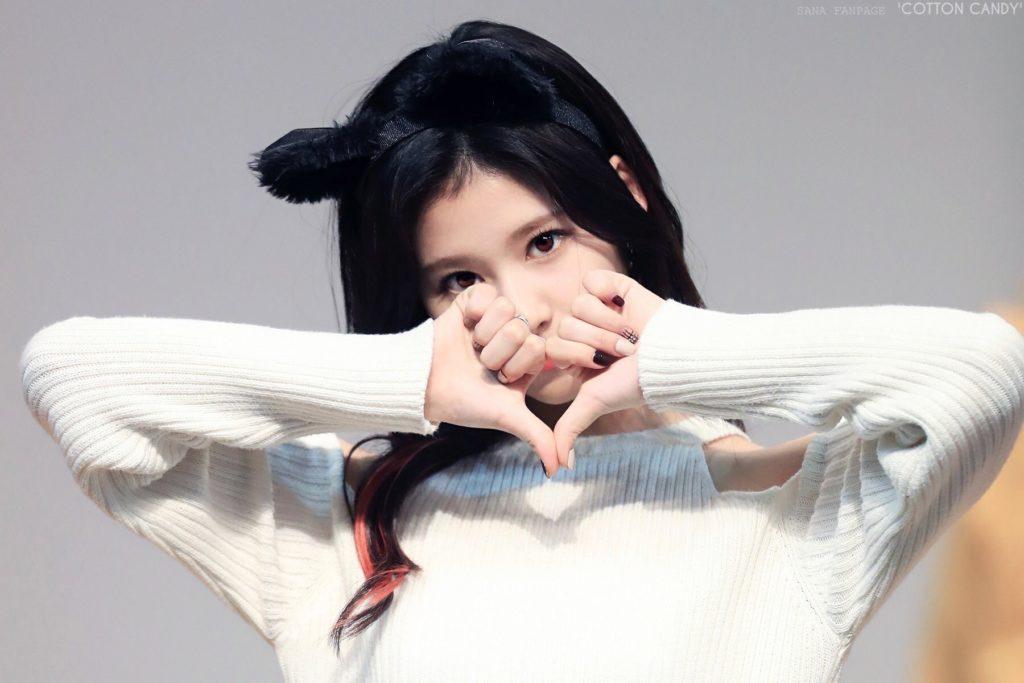 韓国語のサランヘヨ。「愛してる」の意味 ...