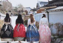 韓服の韓国人女性たち